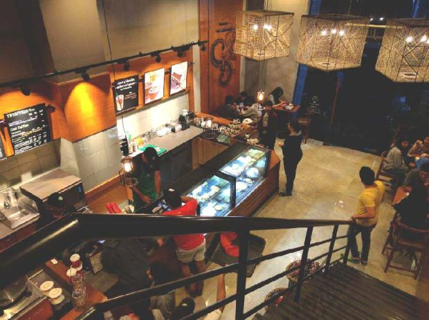 Starbucks-places-to-hangout-near-Aundh-pune