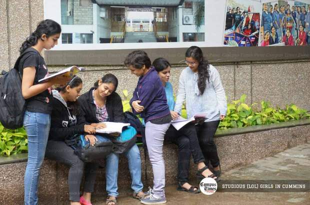 Girls-Studying-in-Cummins-College-of-Engineering-Pune