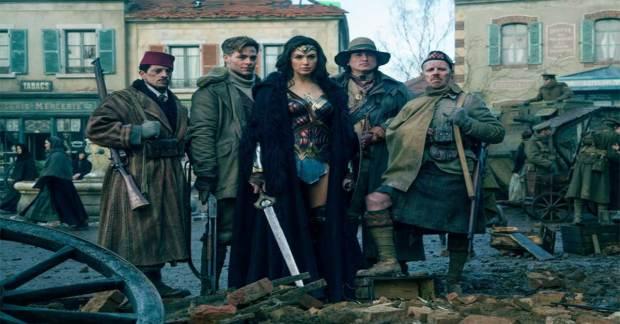 Movie-Review-Wonder-Woman-Captain-Steve-Trevor