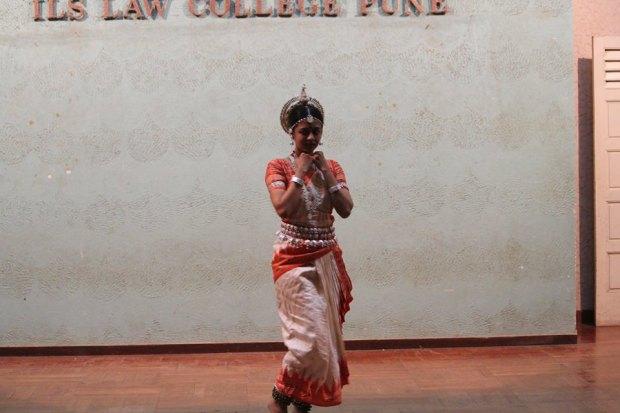Legalease-2k17-traditionaldance