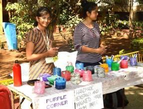 Gandhaar-2018-Fun-Fair-Girls-showcasing-stalls