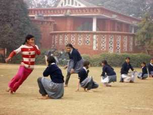 Girls_playing_Kho-Kho