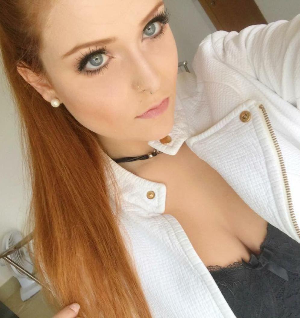 Camgirl RedHeadGirlx