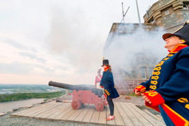 Come fire the Noonday gun! © Parks Canada