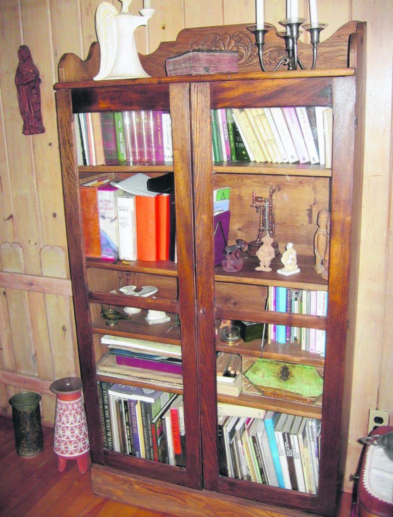 une bibliotheque vitree d une autre