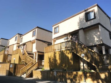 501 40th Avenue Nw Queens Park Village Townhomes Calgary
