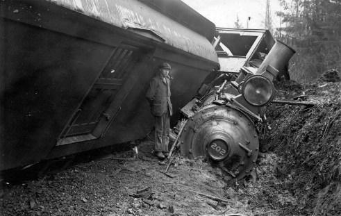 GNR Wreck - 1905 - Original photograph