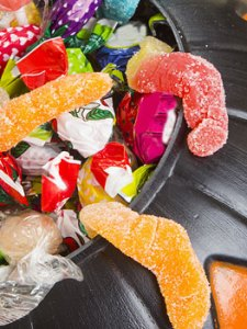 10 Fun Ways to Limit Kids' Halloween Candy