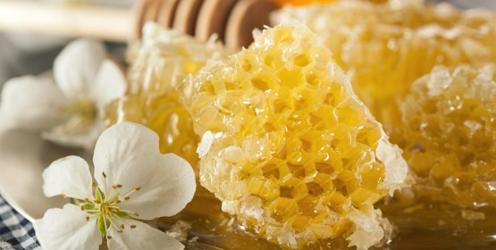 5 Ways Raw Canadian Honey Can Improve Your Health