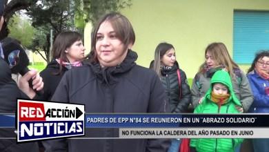 Photo of Redacción Noticias |  SE REUNEN PADRES EN EPP N°84 – ABRAZO SOLIDARIO – LAS HERAS SANTA CRUZ