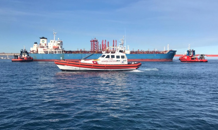 Idrocarburi nel porto piccolo di Siracusa: rimosso il prodotto inquinante