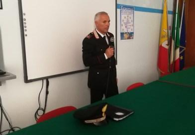 Si parla di legalità a scuola, i carabinieri incontrano gli studenti