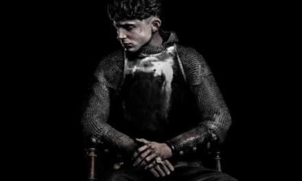 [Reseña] «El Rey»: Una mirada shakesperiana de la historia con actuaciones desbordantes
