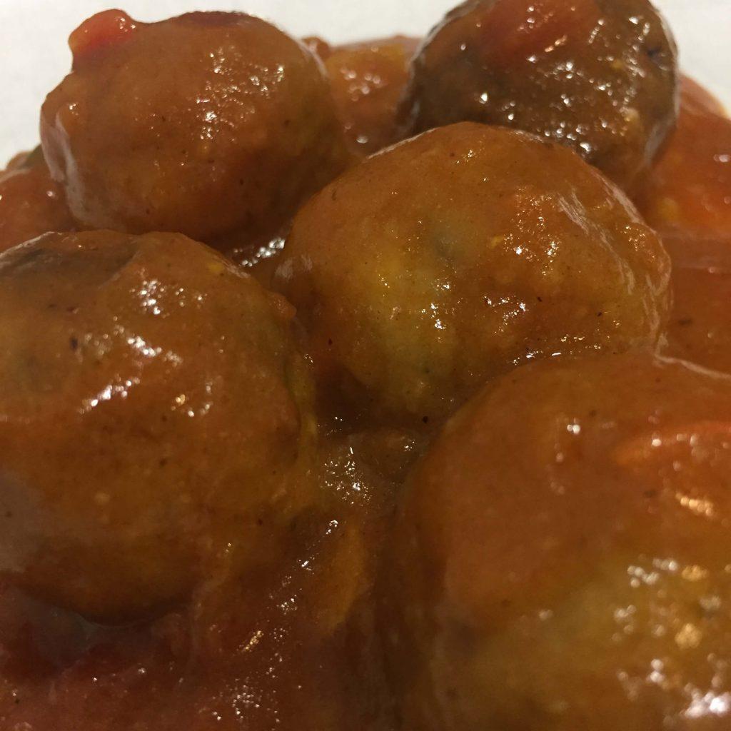 Albóndigas de avena con salsa de tomate