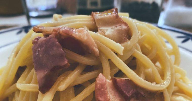 RECETAS PARA FRENAR LA CURVA: Los espaguetis carbonara.
