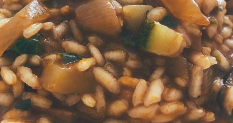 RECETAS PARA FRENAR LA CURVA: El arroz meloso de verduras y setas.