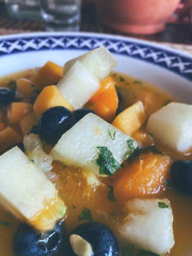 La sopa de fría frutas de verano