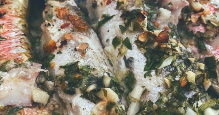 Los salmonetes y sus amigas las pijotas se van de hornos