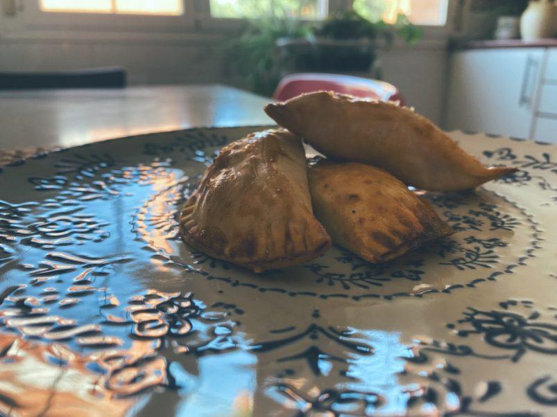 Las empanadillas de pisto, bonito y aceitunas