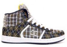 Tênis da DC Shoes mistura os escoceses tartan e argyle.