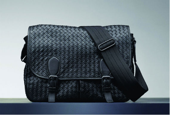bottega_veneta_nero_intrecciato_gardena_bag_ft01b