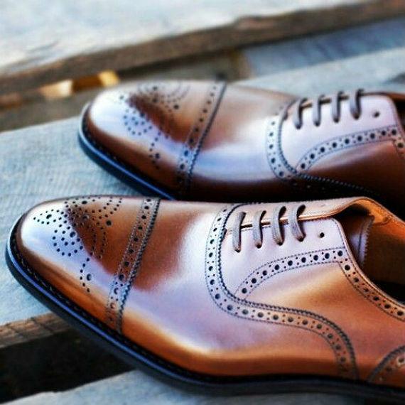 aeacb578b Comprar calçados masculinos não é tão simples quanto parece, alguns  pequenos detalhes podem tornar sua escolha mais difícil ou seu pós compra  (literalmente) ...