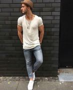 look-camiseta-basica-masculina-19