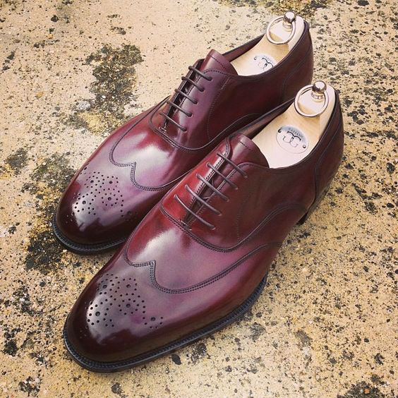 sapato-masculino-oxford-wingtip-medallion