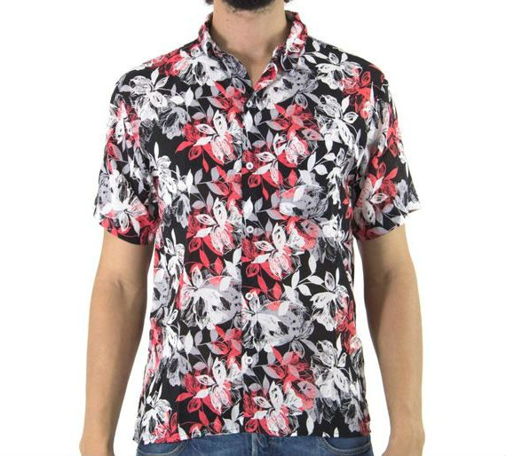 7 Camisas masculinas de mangas curtas para o verão com estilo