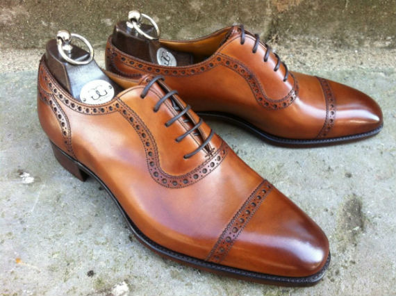 Sapatos oxford: closed lacing