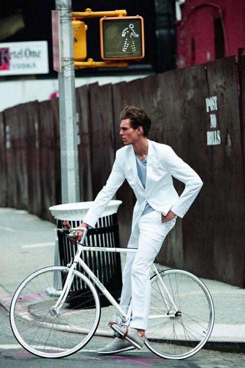 Looks Masculinos Para o Ano-Novo: tudo branco