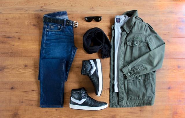 Look masculino para o outono com jaqueta militar