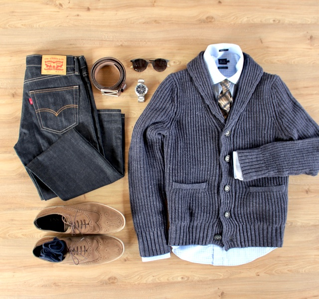 Look masculino para o inverno com cardigã e jeans