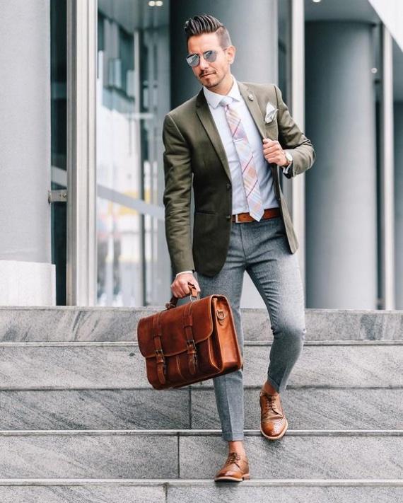 O Look Certo: Quando a Gravata dá o Toque Descontraído