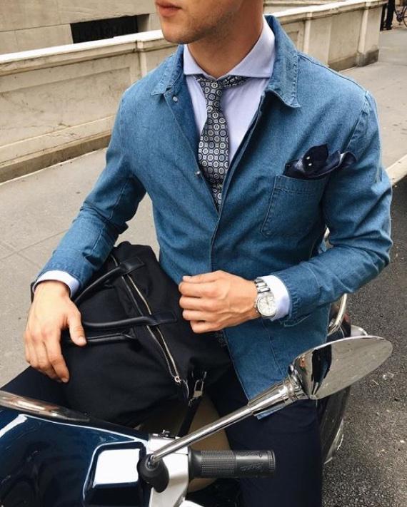 Lenço de bolso como assinatura de estilo