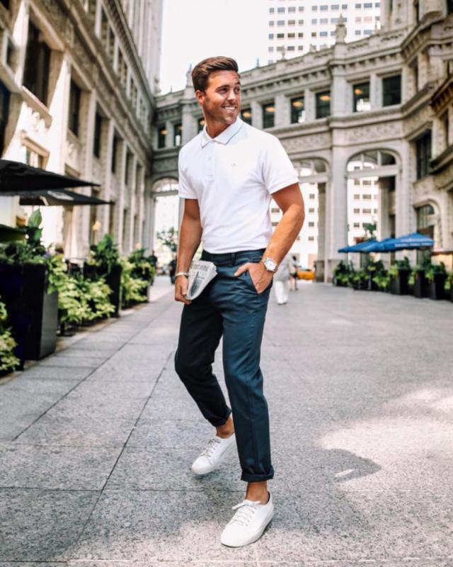Calças Chino, Camisa Polo e T6enis Branco - Moda Masculina