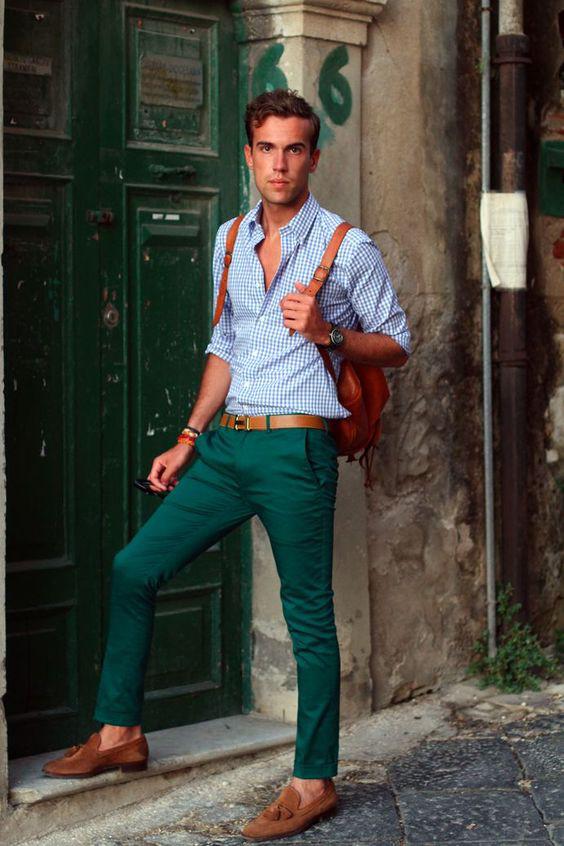 Combinações de Cores: Azul e Verde em Looks Masculinos