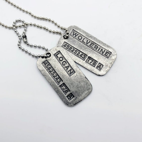 Colar de metal com Dog Tag