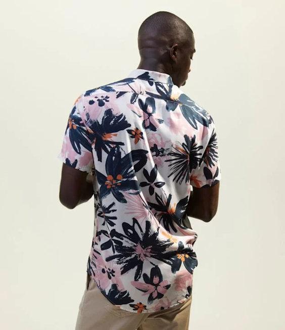 Tendências da Moda Masculina Para o Verão 2021 - estampas pinceladas florais