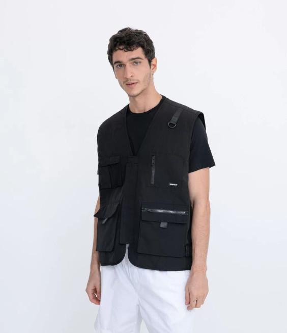 Tendências do Outono Inverno Masculino 2021 - roupa utilitária colete