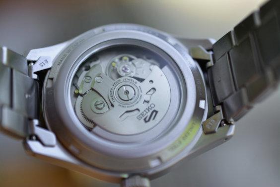 Seiko 5 mecanismo automático e rotor