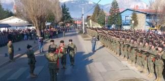 juramento-a-la-bandera-Coyhaique-imagenes-de-archivo