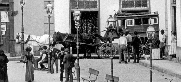 1892, coches de Punto en Santa Cruz.