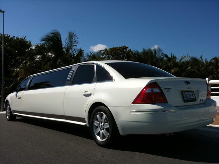 ford limo riviera maya