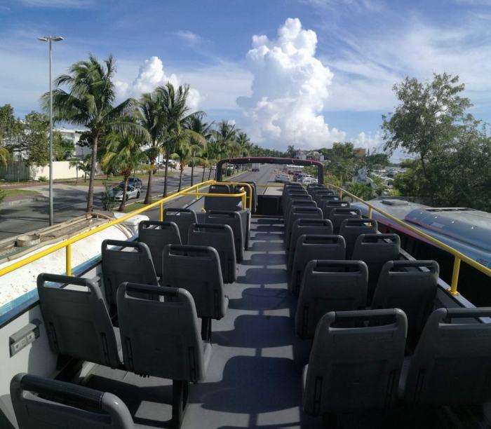 cancun party bus