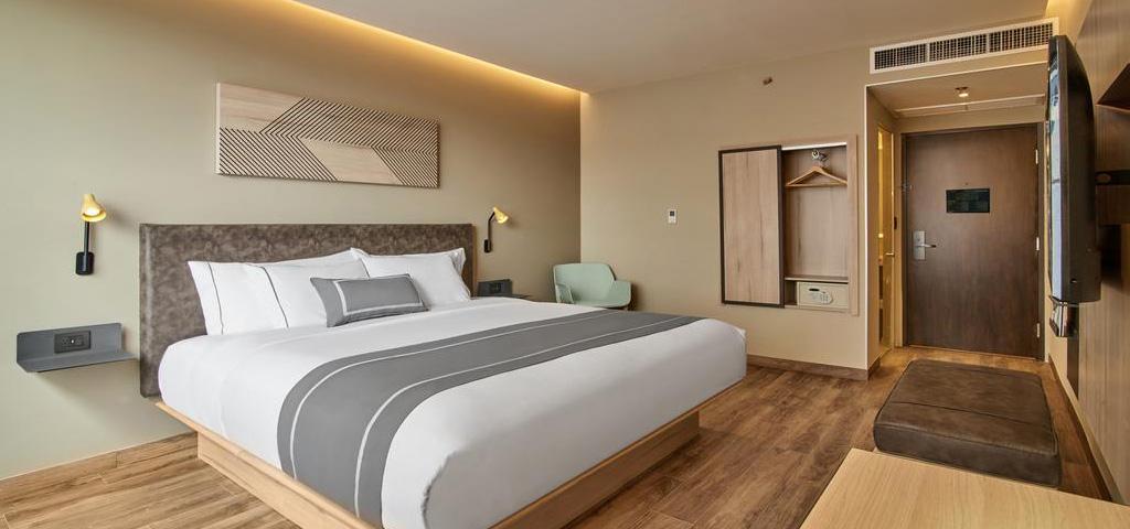cancun international airport information terminals maps. Black Bedroom Furniture Sets. Home Design Ideas