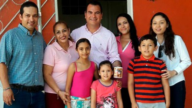 Photo of Rafael Castro continúa escuchando a las familias solidarenses