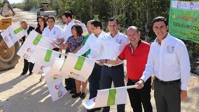 Photo of @RembertoEstrada da el banderazo de salida de las obras de interconexión de la Avenida Huayacán y el Bulevar Luis Donaldo Colosio