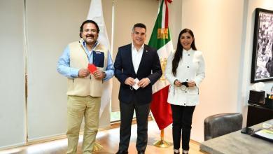 Photo of Se reúne Candy Ayuso con Alito Moreno en México