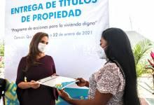 Photo of Familias en Cancún reciben títulos de propiedad